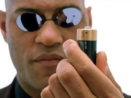 Morpheus hold a battery